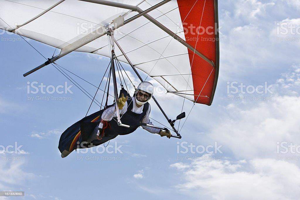 Asa Delta voando acima da cabeça, detalhe. - foto de acervo