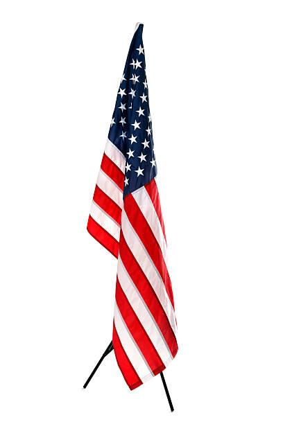 hanging amerikanische flagge, isoliert auf weiss - pfosten stock-fotos und bilder