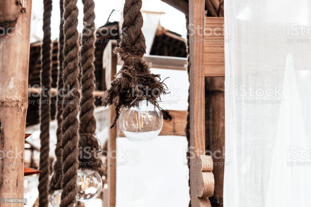 Colgante Guirnaldas De Luz Eléctrica Cuerda Atada En El