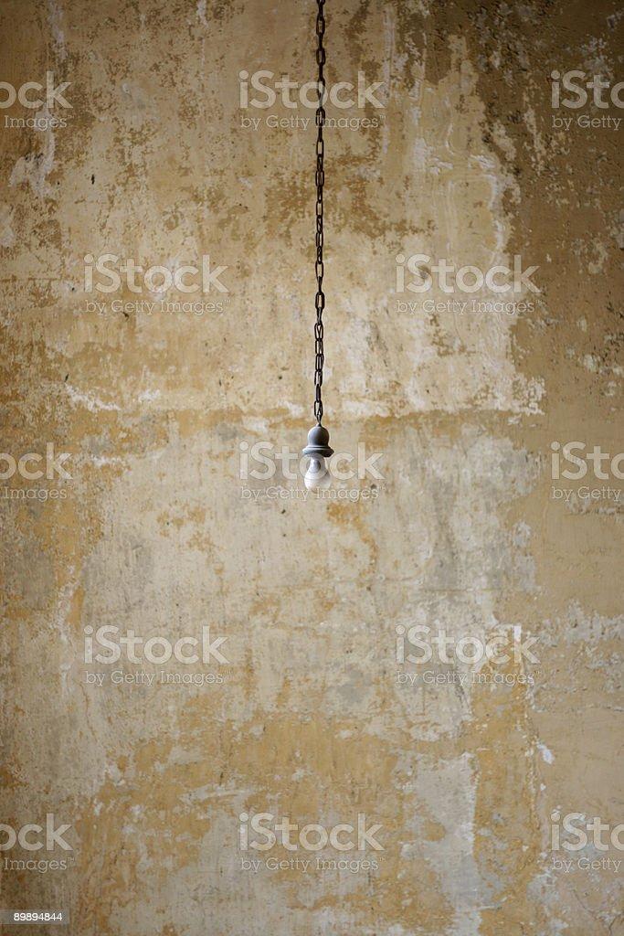 Bombilla de luz colgante foto de stock libre de derechos