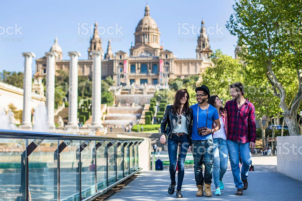 Hanging out en Barcelona - foto de stock