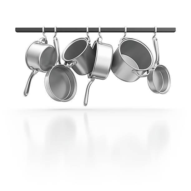hanging pans - pan keukengereedschap stockfoto's en -beelden