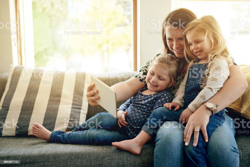 Le bonheur est amusant souvenirs avec la famille - Photo de Adulte libre de droits