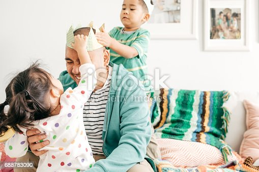 istock Happiness to be a father 688783090