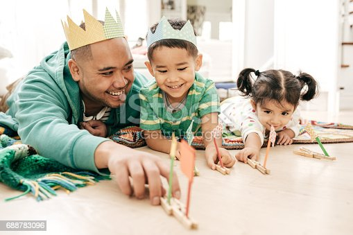 istock Happiness to be a father 688783096