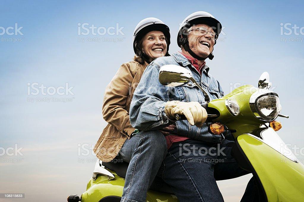 Glücklich aktive Senior Paar auf Rollstuhl – Foto