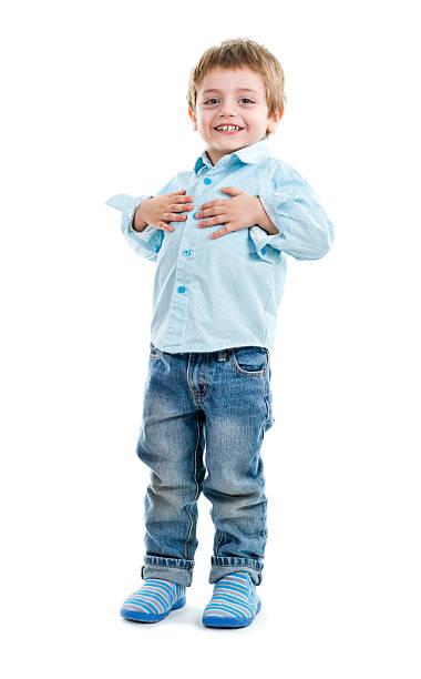 adorável criança feliz - mão no peito imagens e fotografias de stock