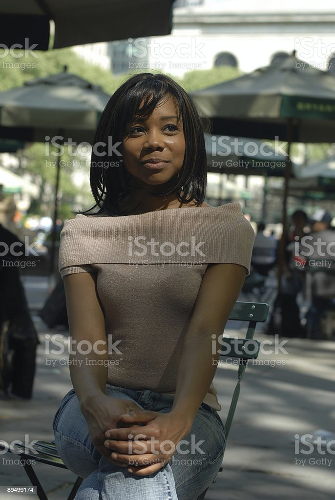 Happy African American Woman in Park royalty free stockfoto