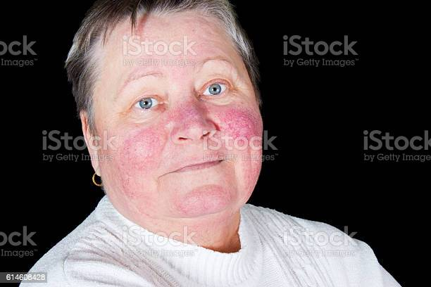 Happy And Smiling Senior Woman Isolated Studio Portrait Foto de stock y más banco de imágenes de Adulto