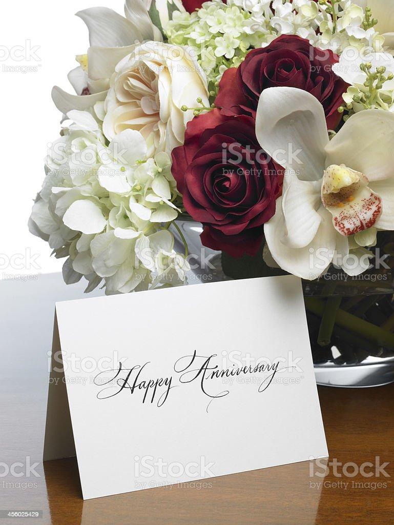 Carte De Joyeux Anniversaire Avec Un Romantique Bouquet De Fleurs