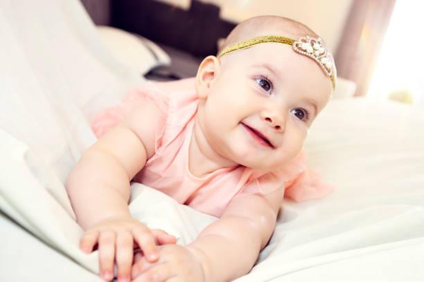 Glückliches Baby Mädchen. – Foto
