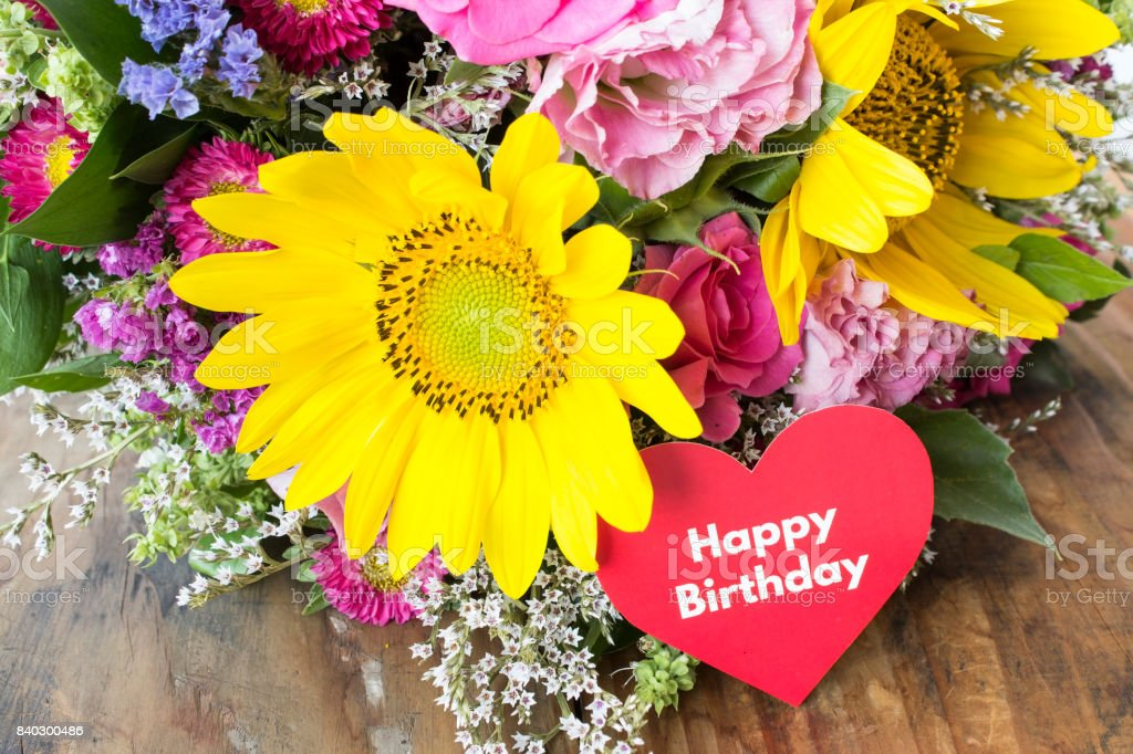 Carte de joyeux anniversaire avec Bouquet de fleurs d'été - Photo