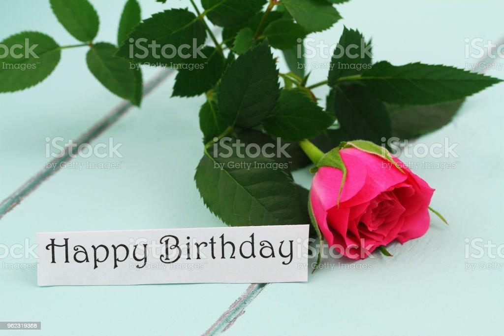Photo Libre De Droit De Carte De Joyeux Anniversaire Avec Une Rose