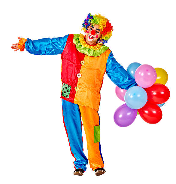 Happy birthday clown hält einen Haufen bunte Ballons – Foto