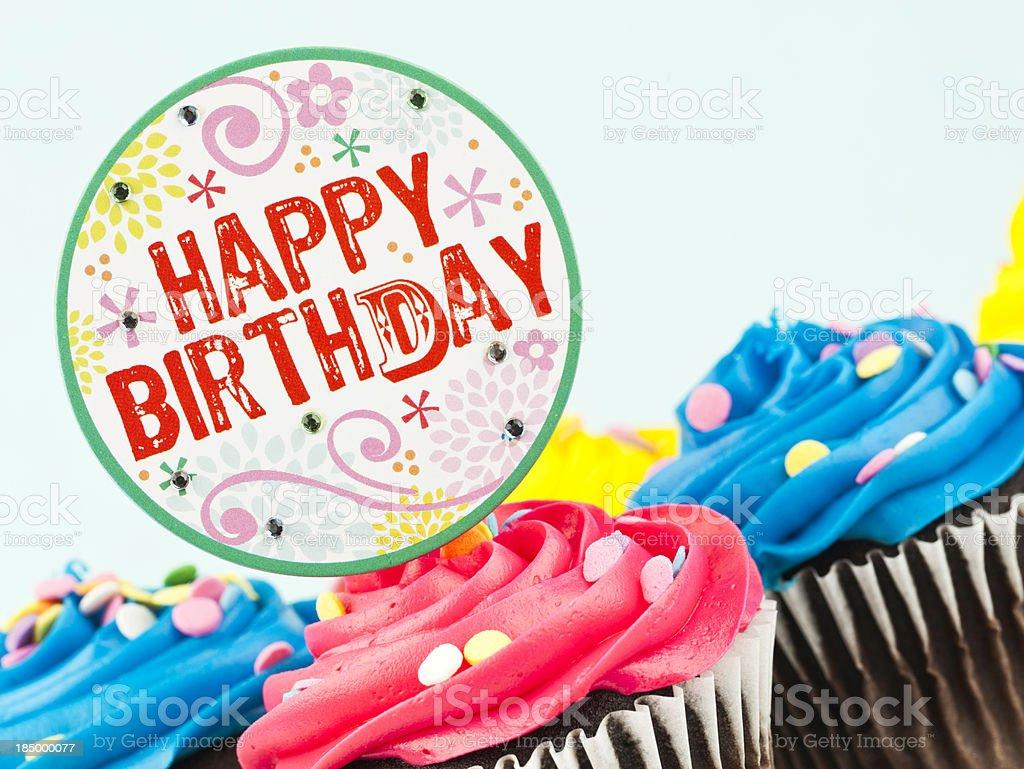 Szczęśliwy Urodziny Cupcakes Stockowe Zdjęcia I Więcej Obrazów Bez