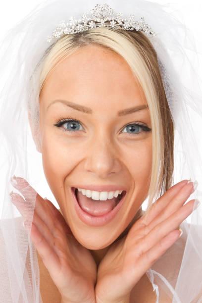 glückliche braut - hochzeits make up blaue augen stock-fotos und bilder