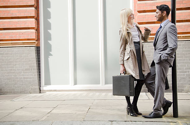 happy business-paar in liebe - liebeskummer englisch stock-fotos und bilder