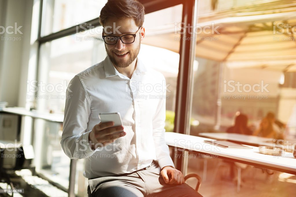 Happy businessman in cafe – Foto