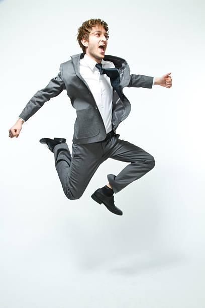 Glücklich Geschäftsmann springt – Foto