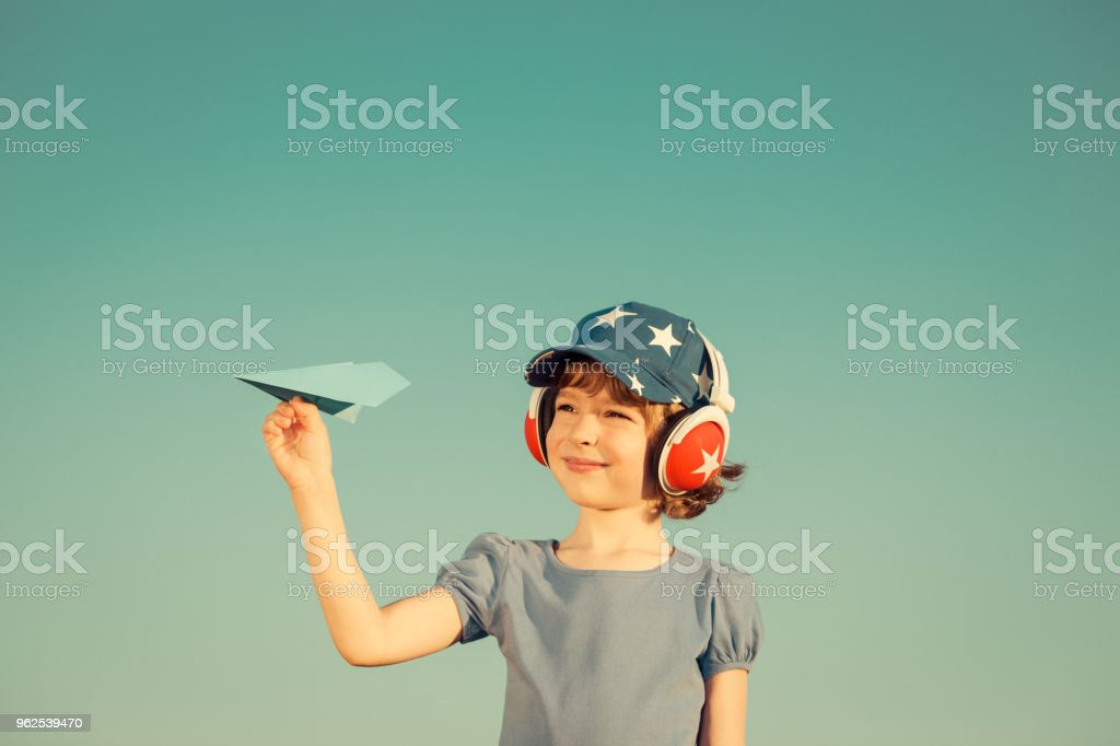 Happy child playing outdoors - Royalty-free Adventure Stock Photo