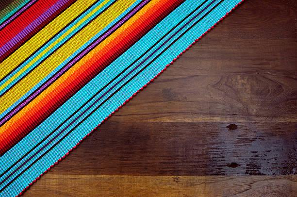 happy cinco de mayo, 5. mai, party tisch hintergrund - mexikanische möbel stock-fotos und bilder