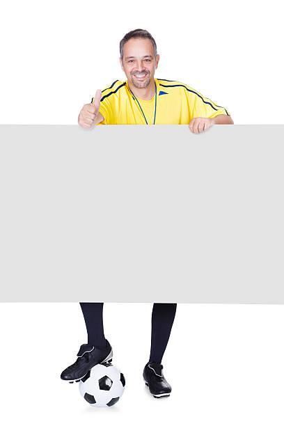 happy trainer, die transparent und fußball - fußball poster stock-fotos und bilder