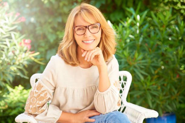 Glückliche, selbstbewusste Frau Porträt – Foto