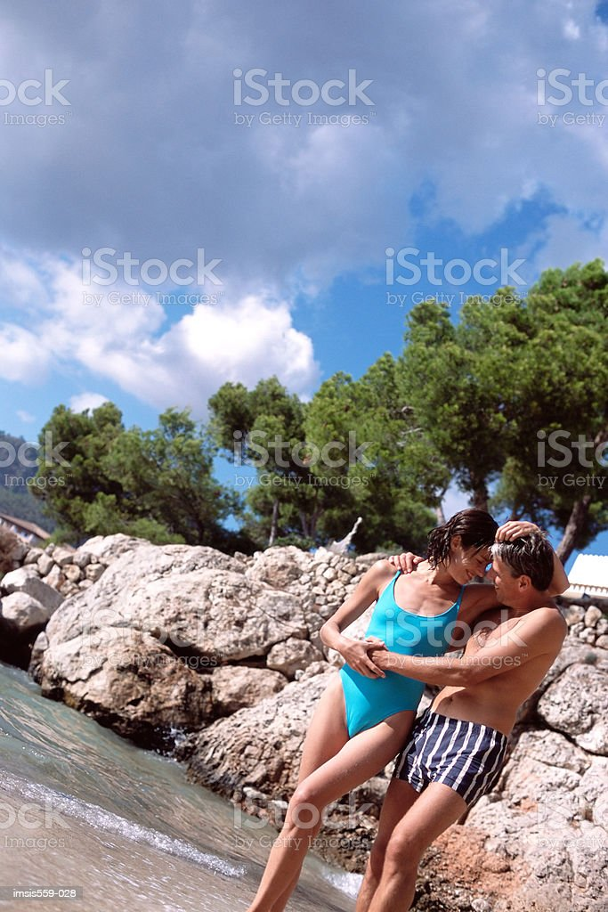 Happy couple at beach royalty-free 스톡 사진