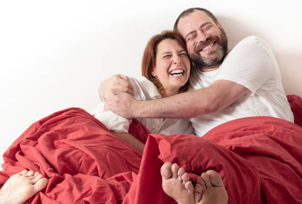 Happy couple on awakening - foto stock
