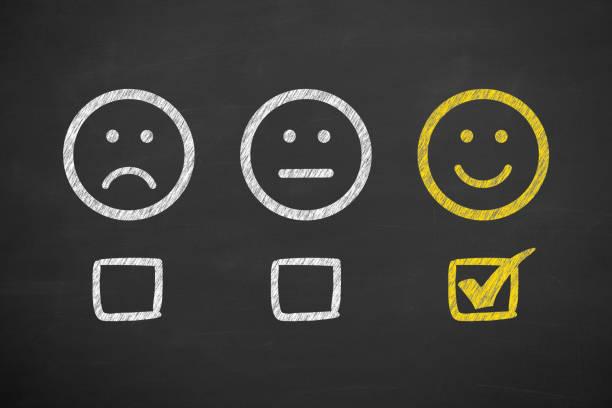 zufriedener kunde feedback business-qualität - kundenzufriedenheit stock-fotos und bilder