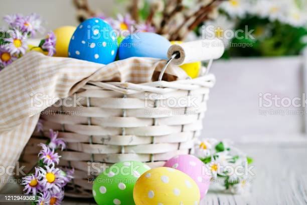 Happy easter congratulatory easter background easter eggs and flowers picture id1212949368?b=1&k=6&m=1212949368&s=612x612&h=hpcnpl7jlpx1srihfmh5bkmfb3n2zbeqpq2 2abczsi=