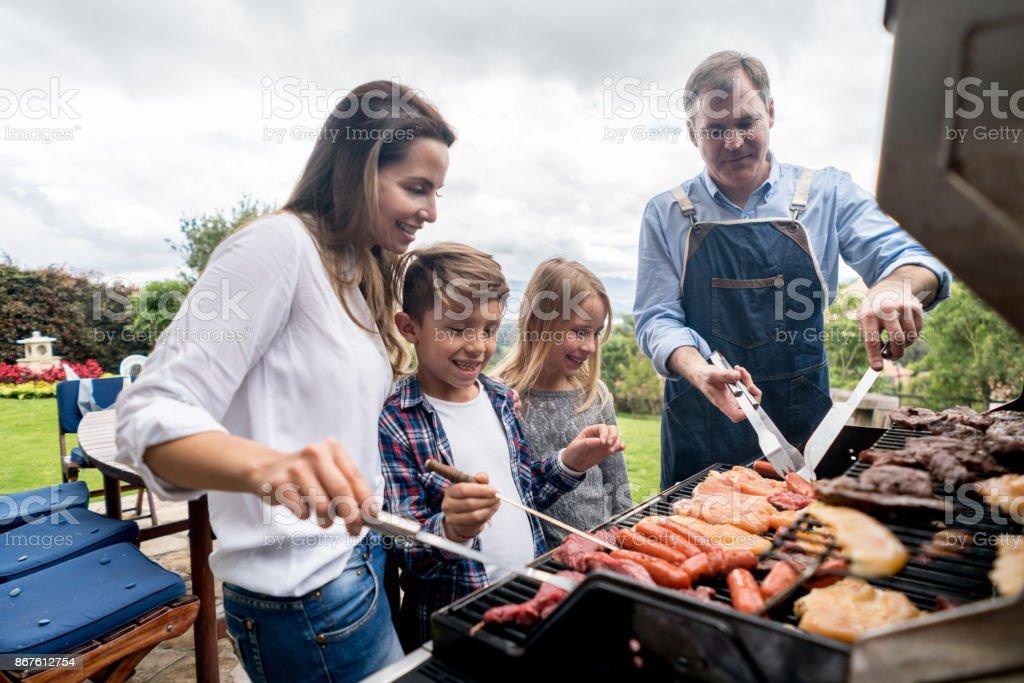 Héhé, un barbecue à l'extérieur de la cuisine - Photo
