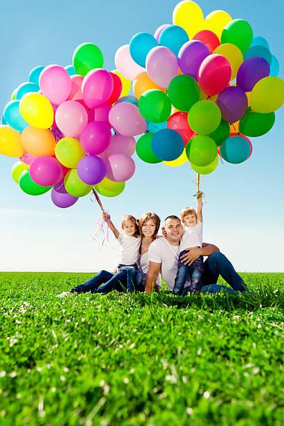 행복함 부품군 쥠 색상화 풍선. 엄마, 공제, daughte 스톡 사진