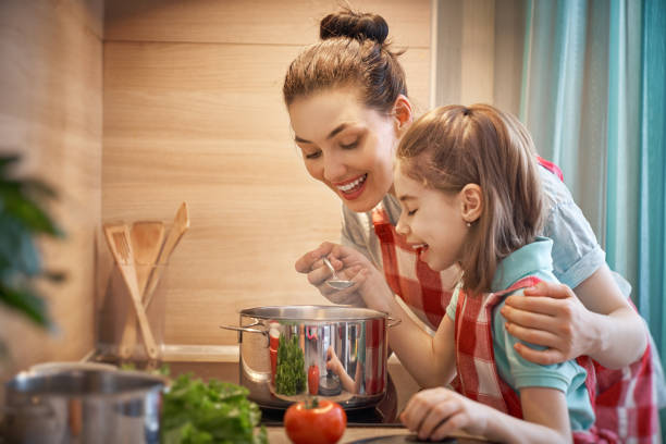Happy family in the kitchen picture id962746530?b=1&k=6&m=962746530&s=612x612&w=0&h=dr ybtvnvpkwmhq dhrwnpd4epmgwowpibzh emmg6e=