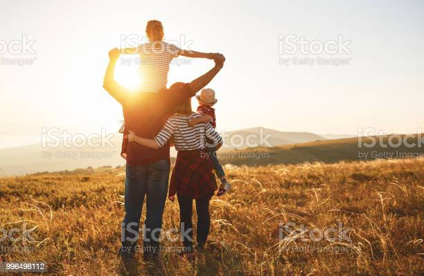 Happy family mother father children son and daughter on sunset picture id996496112?b=1&k=6&m=996496112&s=612x612&h=3swn0h6npl3o8hjwu q0dxp0rdkbnbyogprciz4dkv0=
