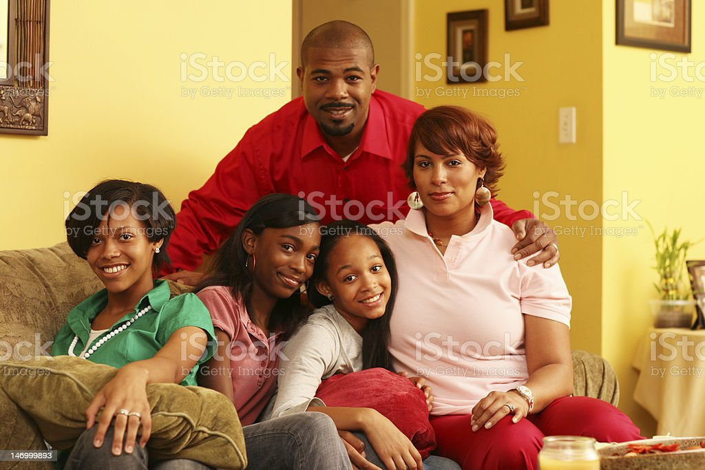 Glückliche Familie zu Hause – Foto