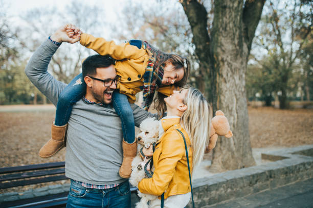 happy family - happy dog imagens e fotografias de stock