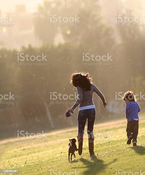 Happy family picture id108330067?b=1&k=6&m=108330067&s=612x612&h=qjcmyeak5bnhjxjz51mxg9h4 axqcu7u09gvkgk75g0=