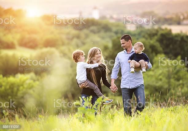 Glückliche Familie - Lizenzfrei 2015 Stock-Foto