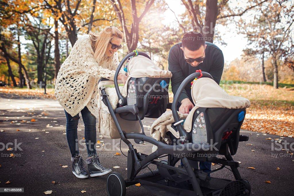 Happy familia  - foto de stock