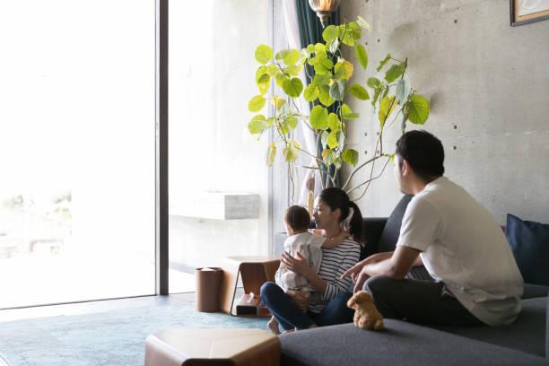 幸せな家族  - 家族 日本人 ストックフォトと画像