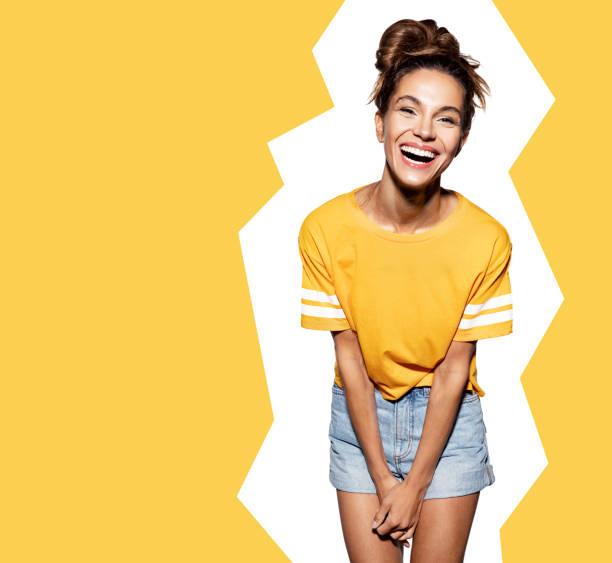 白色背景的快樂時尚模型 - 少女 個照片及圖片檔