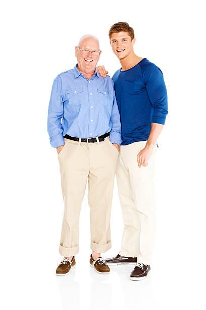Feliz Padre e hijo parado sobre fondo blanco - foto de stock