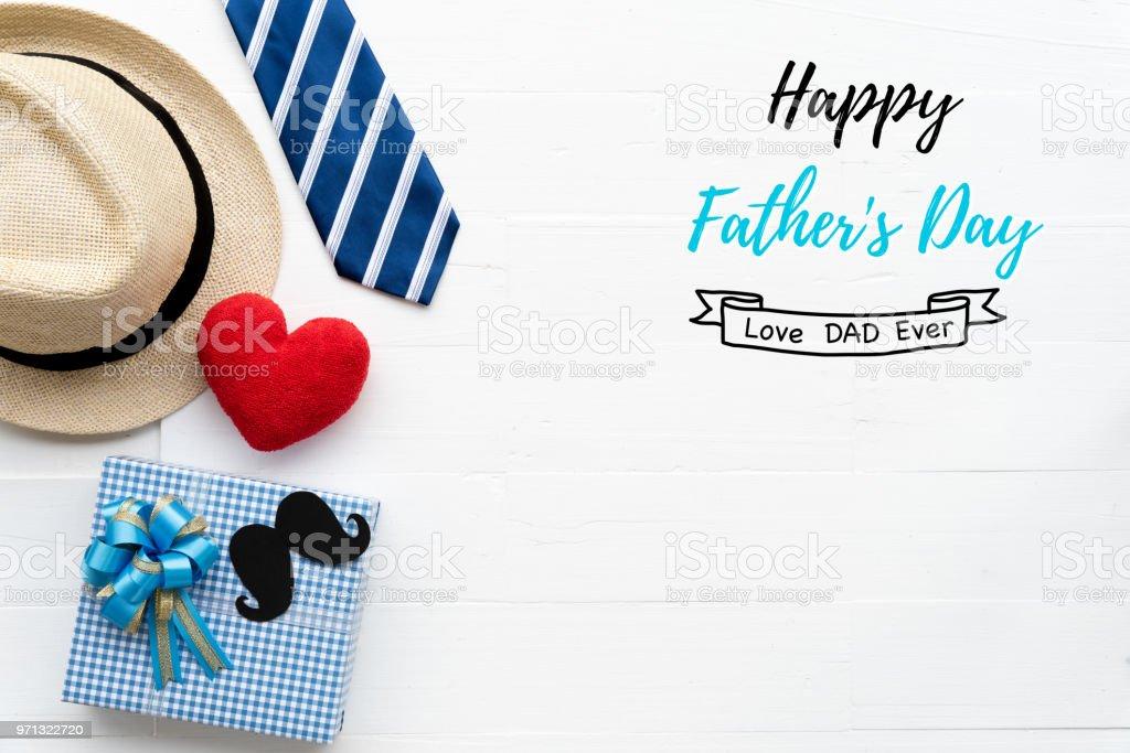 Concepto Del Día De Padres Feliz Vista Superior De Corazón Rojo ...