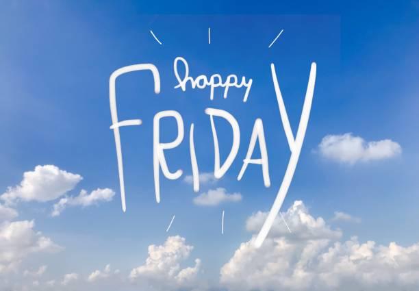 glückliches freitag wort auf blauen himmelshintergrund - freitag stock-fotos und bilder