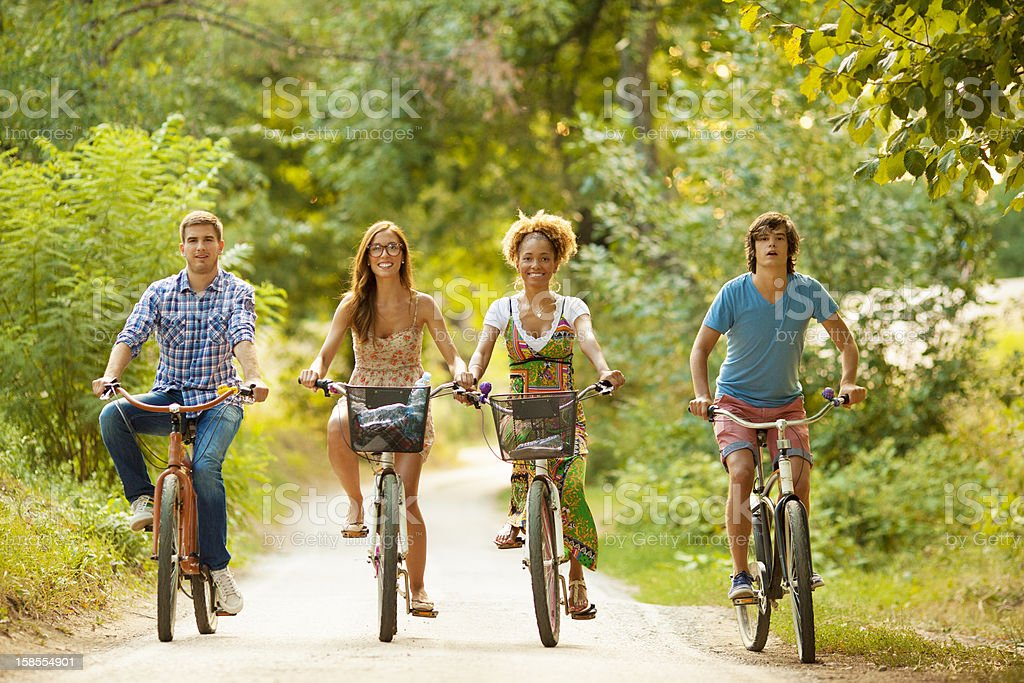 행복함 프렌즈 탑승형 자전거 만들진 네이쳐향. royalty-free 스톡 사진
