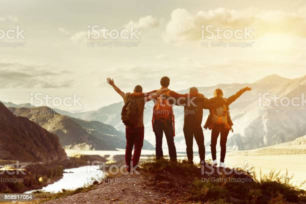 Happy friends travel expedition concept picture id858917054?b=1&k=6&m=858917054&s=612x612&h=y0fko3uhzrqmobcm3hs0zyfpk2hme wzign43aa0qnm=