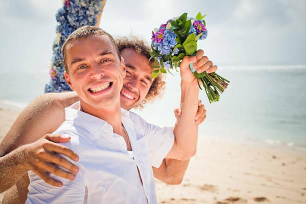 Feliz pareja gay - foto de stock