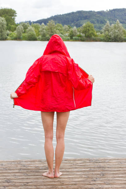 Royalty Free Naked Women Na prostem Rain slike, slike in fotografije - Istock-5006