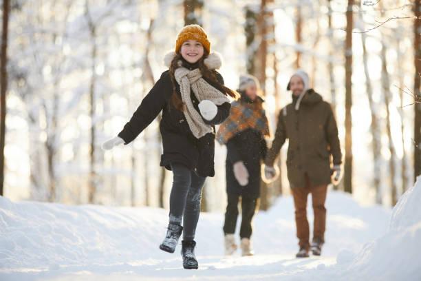 Happy girl running in winter forest picture id1130366593?b=1&k=6&m=1130366593&s=612x612&w=0&h=tsohw3ckn4peehmbvoykmrz8ksyikq0i5oga3xahlq8=